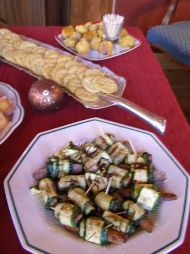 Delicious sausage/zuchinnin wraps